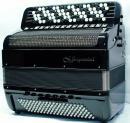 Mygtukinis 64 natų (105 mygtukų) ir 120 bosų cassotto akordeonas su rinktinių bosų sistema