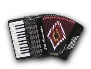 26 klavišų ir 48 bosų akordeonas