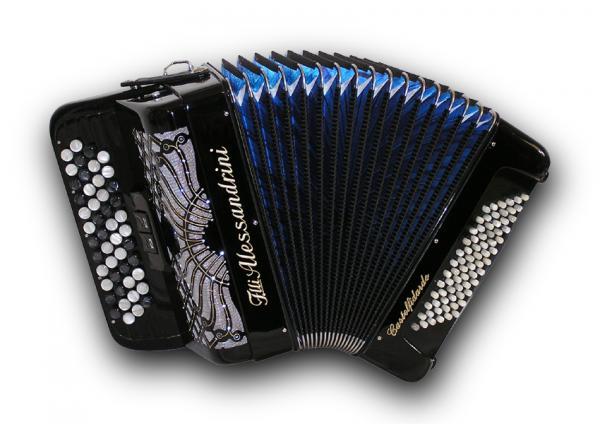 Mygtukinis 37 natų (48 mygtukų) ir 72 bosų akordeonas
