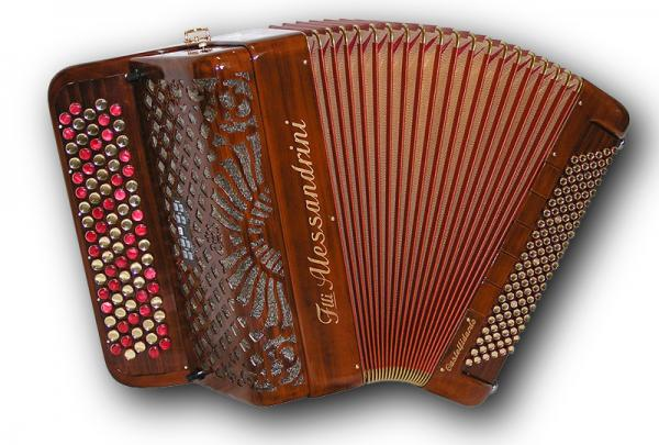 Mygtukinis 52 natų (87 mygtukų) ir 120 bosų cassotto akordeonas